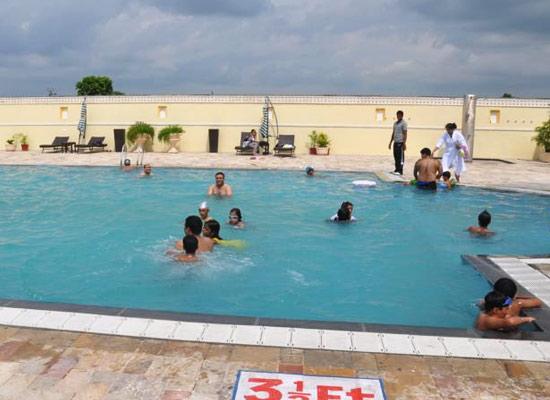 Noor Mahal karnal poolside