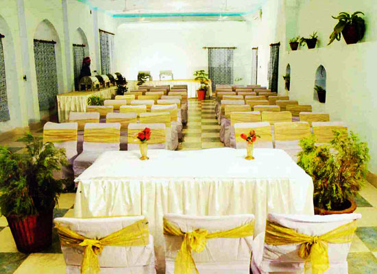 Burja Haveli alwar sitting area