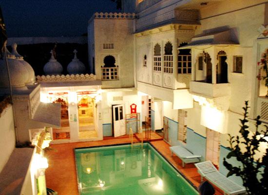 Anjani Hotel Udaipur Poolside