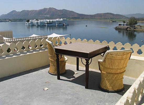 Hotel Aashiya Haveli udaipur roof sitting area