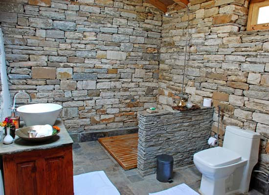 Bathroom at Itmenaan Estate Almora