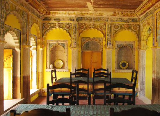 Chanoud Garh pali living room