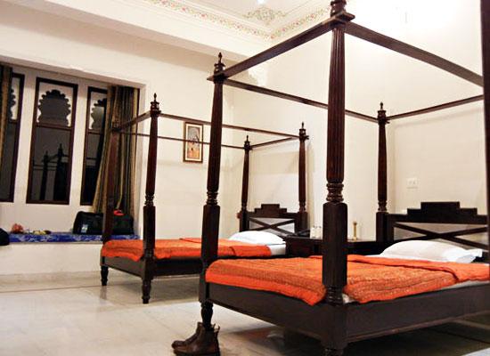 Hotel Boheda Palace udiapur bedroom