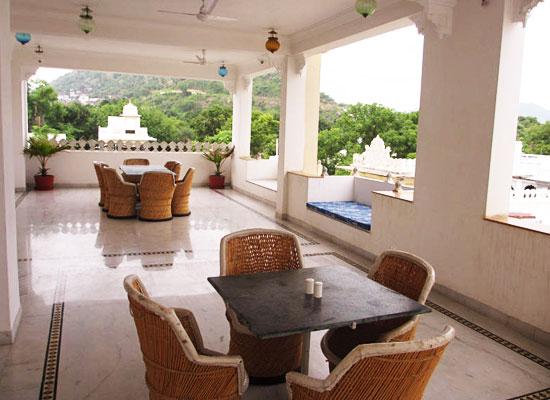Hotel Boheda Palace udiapur balcony sitting area