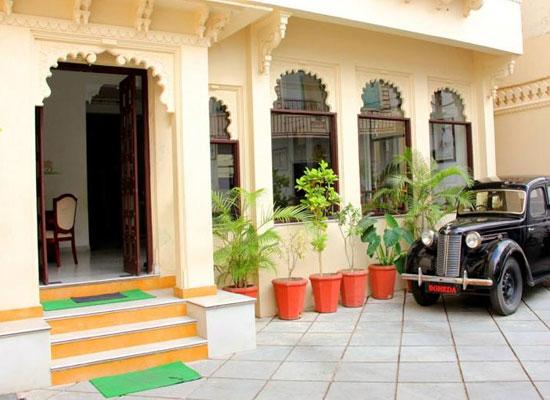 Hotel Boheda Palace udiapur facade