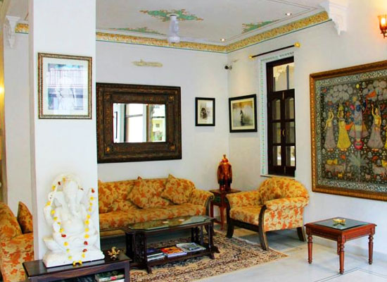 Hotel Boheda Palace udiapur outside sitting area