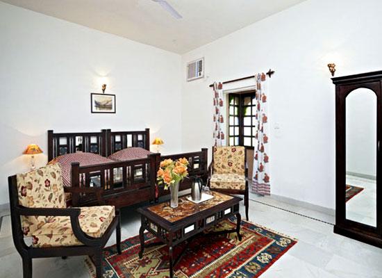 Mahal Khandela Jaipur sitting area in bedroom