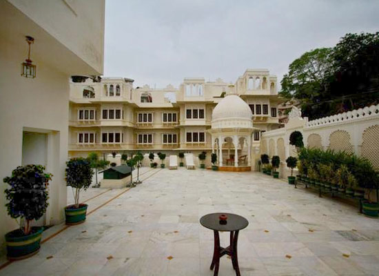 Hotel Swaroop Vilas Udaipur Outside View