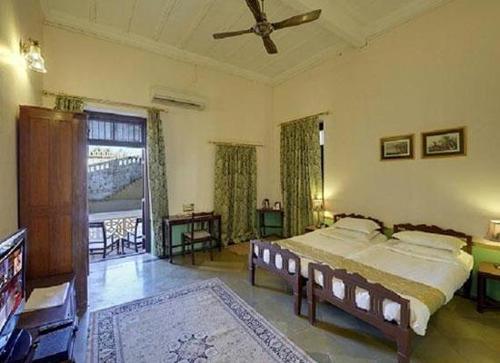 Ambika Niwas Palace in Muli, Gujarat Room