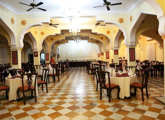 Hotel Raj Mahal orchha sitting area