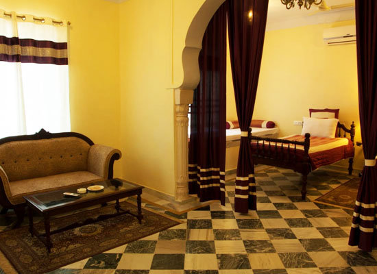 Hotel Raj Mahal orchha sitting area in bedroom