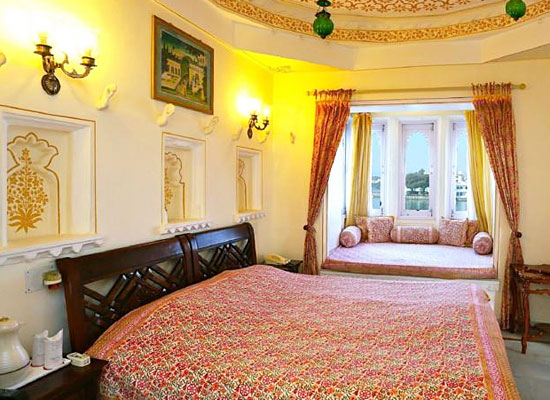 Jagat Niwas Palace Udaipur Room