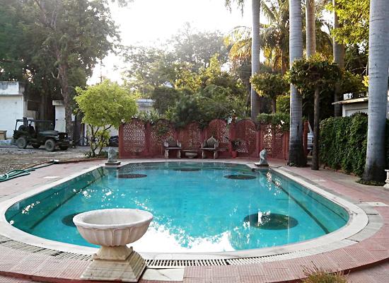 Hotel Rang Niwas Palace udaipur pool view