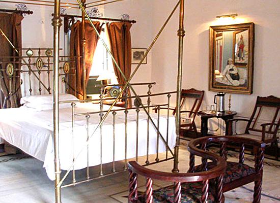 Hotel Rang Niwas Palace udaipur bedroom