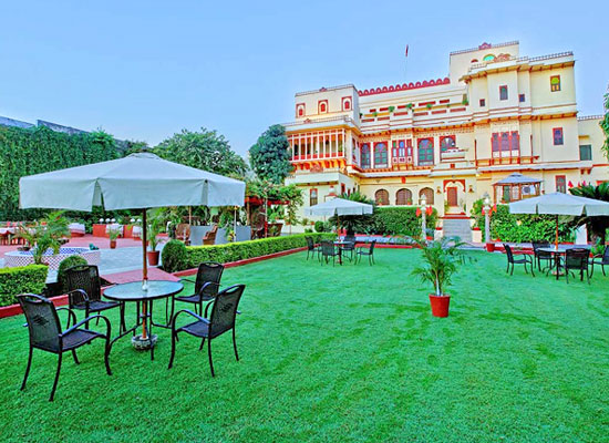 Fort Dhariyawad Udaipur OPen Air dining