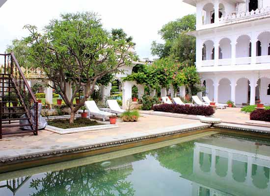Amet Haveli Udaipur Poolside