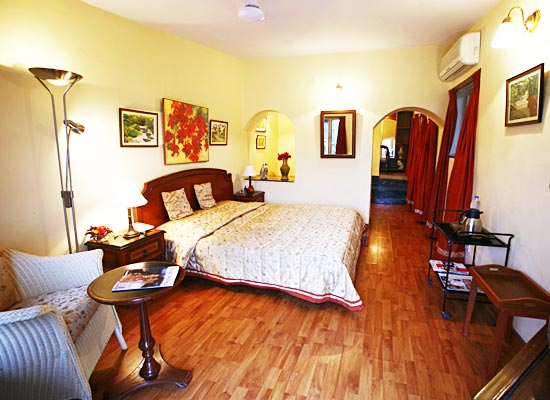 Connaught House mount abu bedroom