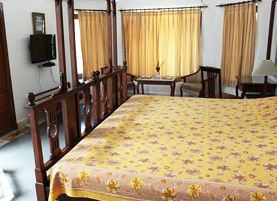 Kesar Bhawan Palace Mount Abu Room