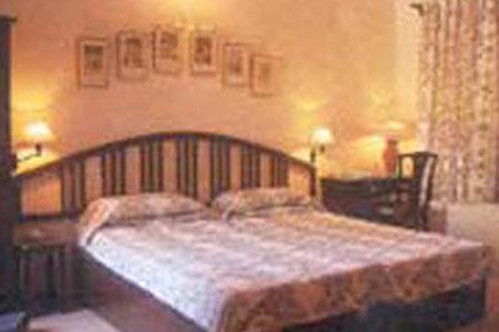 Mann Bilas Hotel Bikaner bedroom