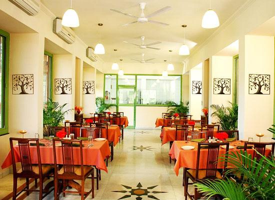 Maharani Bagh Orchard and Retreat ranakpur dining area